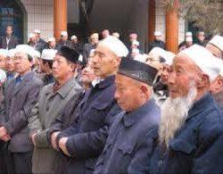 وفد نواب منطقة صينية مسلمة يناقش وضع التعاون بين الصين والدول العربية
