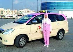 """هيئة طرق ومواصلات دبي"""" ترسي عقد شراء 554 مركبة هجينة لتاكسي دبي"""