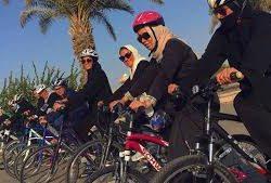 20 سيدة يؤسسن فريق «بسكليتة» في مدينة جدة