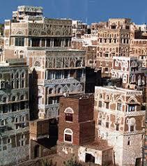 رحيل أيقونة المسرح الجزائري نورية قزدرلي عن 99 عاما