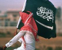 قاض سعودي يطور طاولة طعام تمنع الإسراف في الولائم